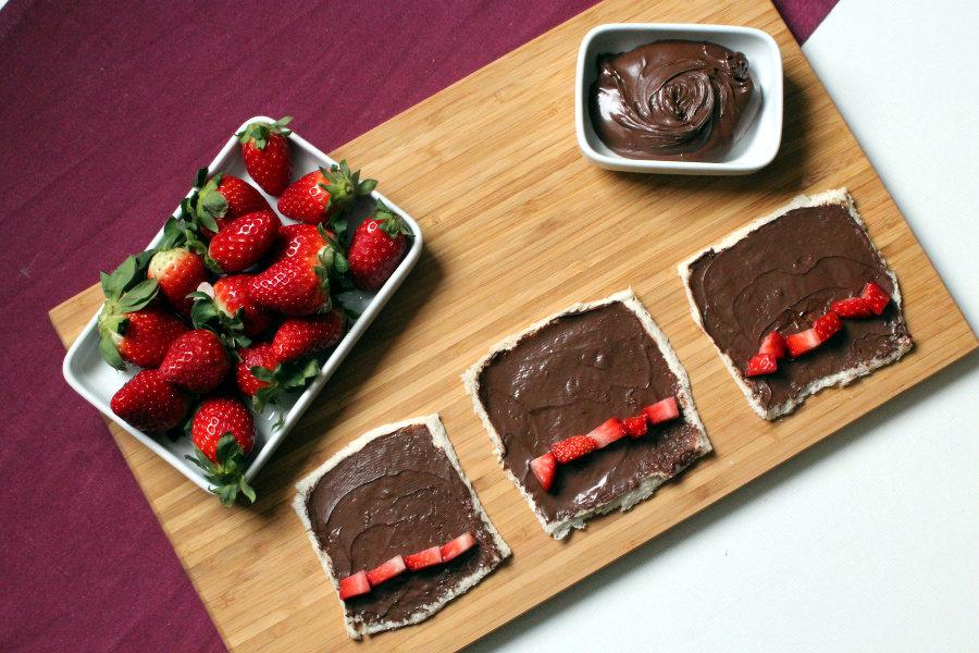 French Toast Rolls mit Erdbeeren und Nutella